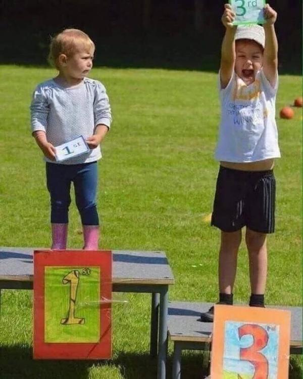 Những đứa trẻ có IQ vô cực khiến bố mẹ cũng phải đầu hàng