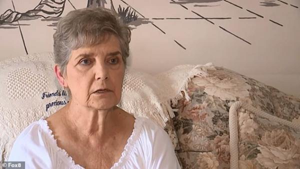 Cụ bà 79 tuổi vô cớ bị bắt giam chỉ vì có lòng tốt cho mèo hoang trong khu phố ăn