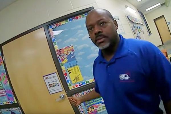 Một giáo viên bị sốc phản vệ suýt chết bởi trò đùa của chính học sinh