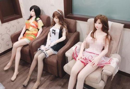 Hàn Quốc gây tranh cãi khi cho nhập khẩu RealDoll có thể chỉnh sửa gương mặt thành người bạn thích