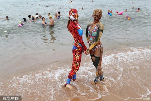 Bikini toàn thân giúp các 'ninja' không lo cháy nắng đã quay lại và lợi hại hơn xưa