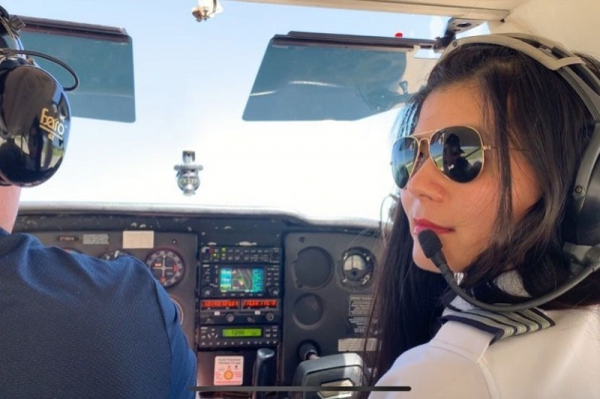 Nữ phi công gốc Việt lên kế hoạch bay vòng quanh thế giới một mình
