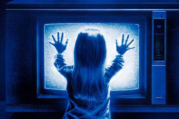 Chuyện hậu trường rợn tóc gáy của những bộ phim kinh dị bị nguyền rủa