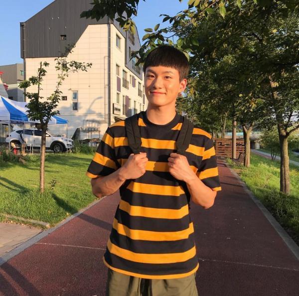 Moment At Eighteen: Ngoài Ong Seong Woo, vẫn còn 5 mỹ nam thanh xuân khiến bạn mê mẩn