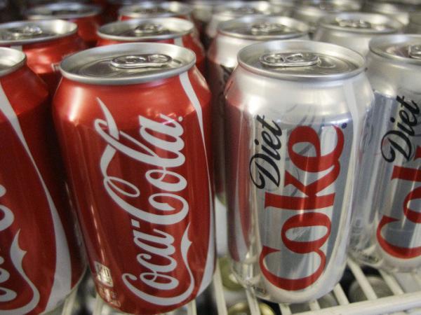 Theo khoa học, đồ uống kiêng thậm chí còn gây hại cho sức khoẻ hơn các loại nước nhiều đường