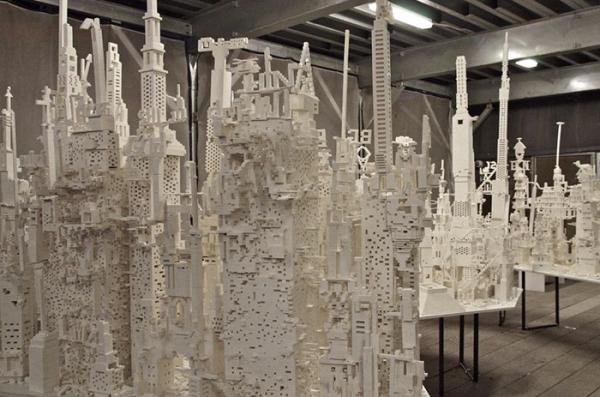 Thành phố Lego khổng lồ cho phép bất cứ ai đi qua đều có thể tham gia 'xây dựng'
