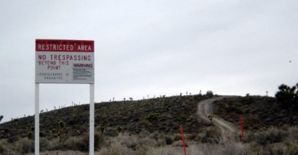 Người khởi động chiến dịch đột nhập căn cứ Area 51 đã được FBI 'ghé thăm' tận nhà