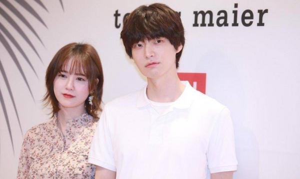 Ahn Jaehyun - Goo Hyesun: Tình chị em, vừa gặp đã yêu là những nhân tố không đáng tin nhất trong hôn nhân