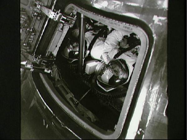 Nguồn gốc những thuyết âm mưu về Mặt Trăng lại đến từ...một kỹ sư từng làm việc với NASA?