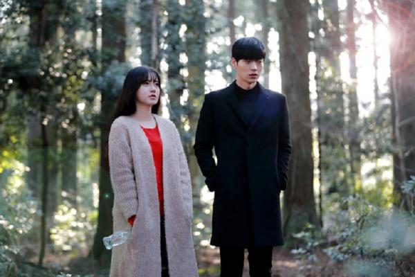 Bài phỏng vấn Goo Hyesun ngay trước tin ly hôn bùng nổ: Hóa ra trái tim cô đã tổn thương lâu rồi
