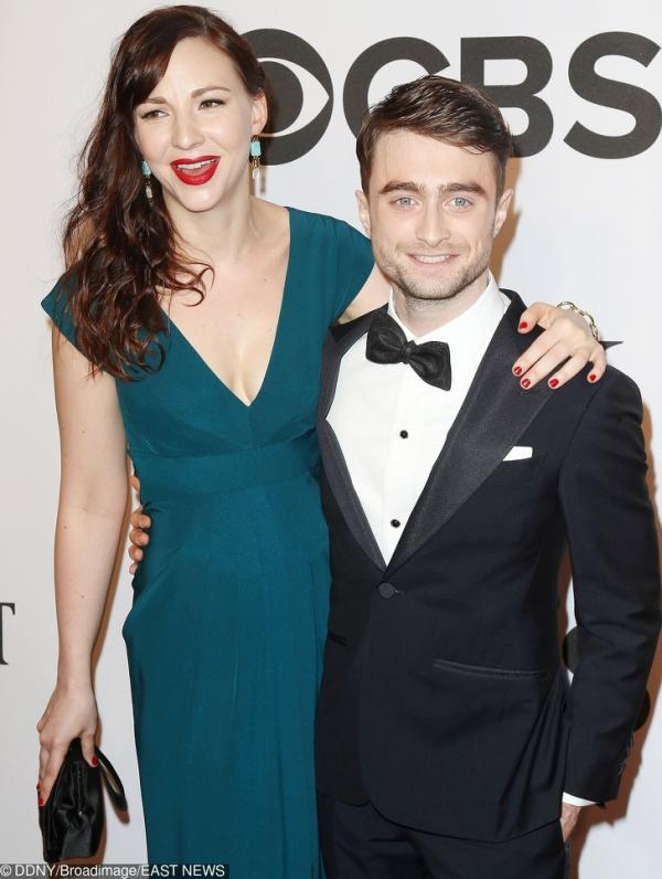 Chuyện tình đẹp như mơ của những ngôi sao 'Harry Potter' bên ngoài cánh cổng trường Hogwarts