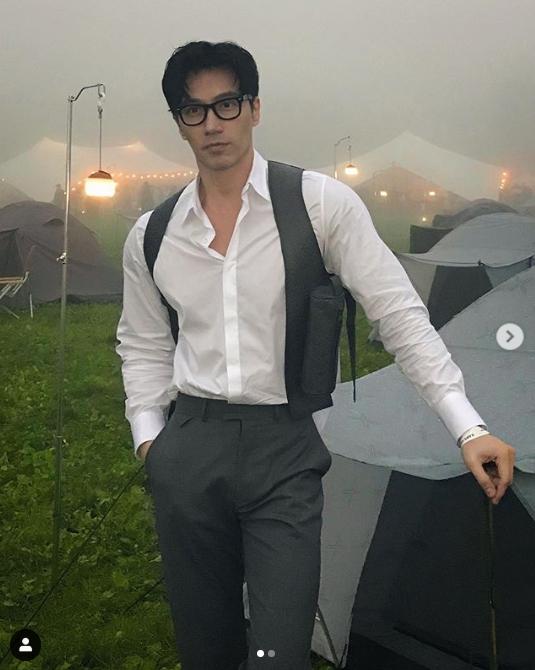 'Daddy' người Singapore sẽ xuất hiện trong bộ phim đầu tiên với những phân cảnh hót hòn họt