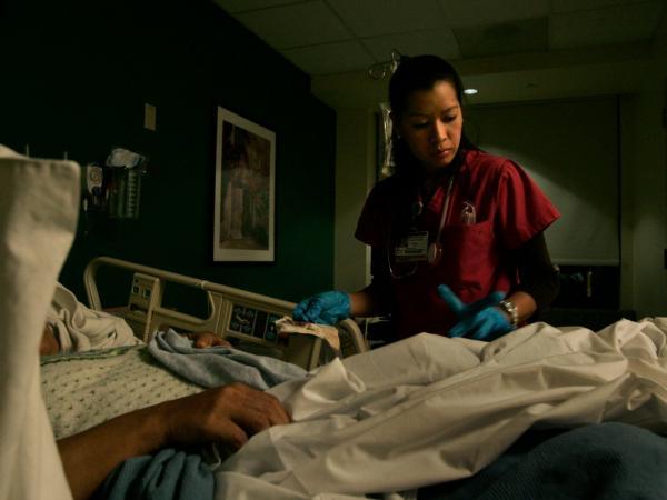 Y tá là nghề có số người tự tử cao nhất tại Mỹ