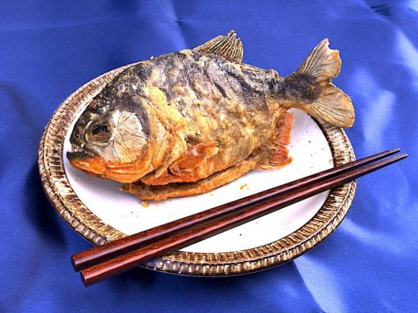 Mỳ cá Piranha: Sự kết hợp ẩm thực nhìn thôi đã thấy đáng sợ