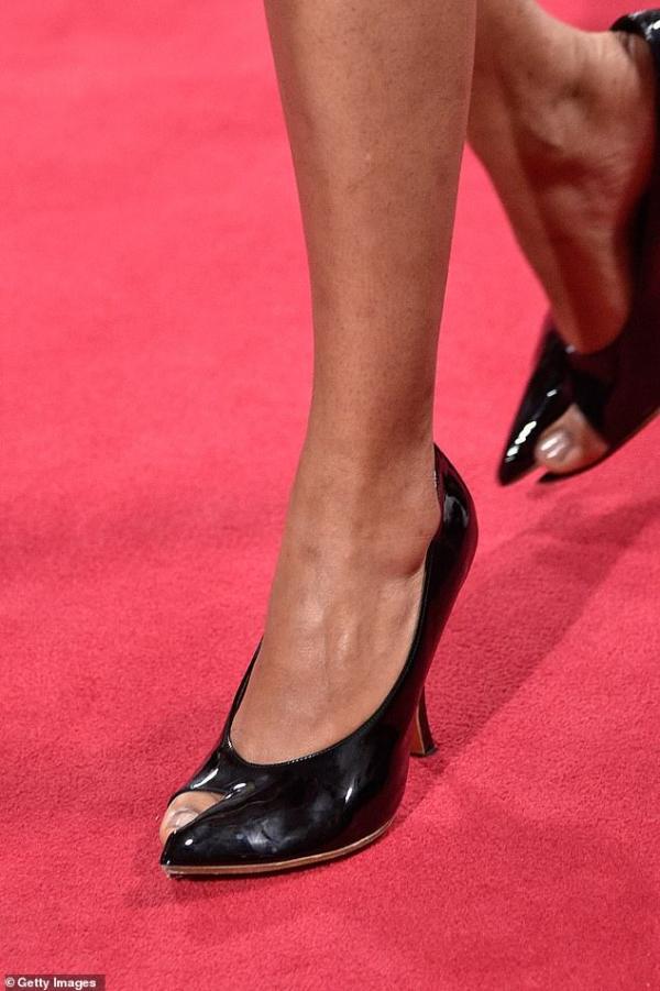 Những đôi giày 'ngón chân cái' đang là xu hướng thời trang được chú ý nhất mùa thu năm nay