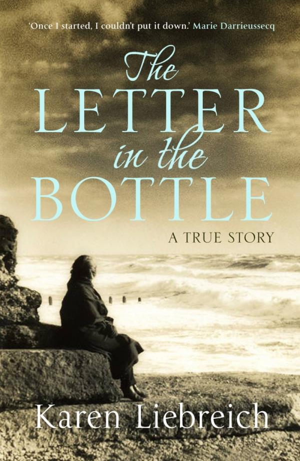 Những câu chuyện có thật đau lòng được cất giữ trong chai tin nhắn trôi dạt trên đại dương