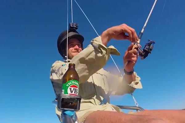Ngồi câu cá bằng máy bay không người lái, chàng trai bí ẩn bị chính quyền Úc truy tìm điều tra