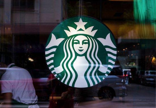 Khách hàng Starbucks phẫn nộ khi tên mình bị viết là 'hà mã'