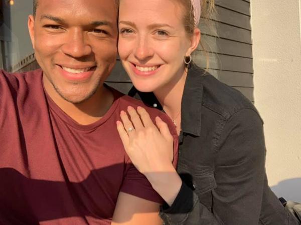 Chàng trai cầu hôn bạn gái cả tháng trời mà cô ấy chẳng hề hay biết