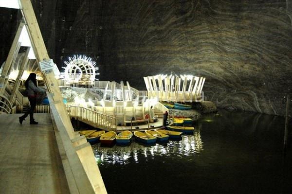 Salina Turda: Từ mỏ muối cổ nhất hành tinh đến công viên giải trí độc đáo có một không hai
