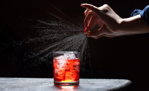 Đúng một trăm năm trước, ly Negroni đầu tiên đã được ra đời trong một quán bar ở Ý