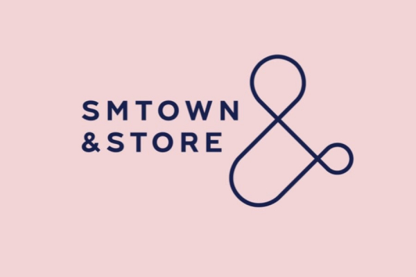 Cửa hàng SM Ent bị mỉa mai như 'tạp hóa' và bóc lột fan vì rao bán những sản phẩm này