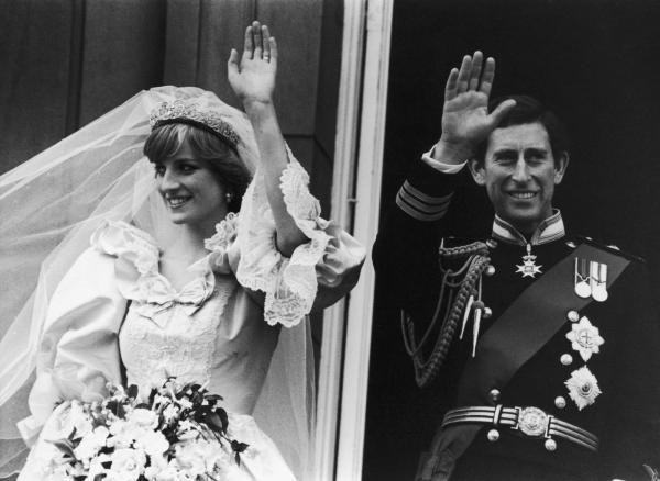 Nguồn gốc ra đời của chiếc khăn trùm đầu cô dâu trong ngày cưới