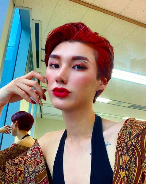 Nam Dancer nhảy cùng AOA gây sốt vì vẻ đẹp phi giới tính