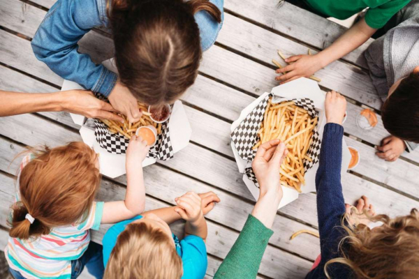 Những sự thật về món ăn vặt khoái khẩu nhất hành tinh