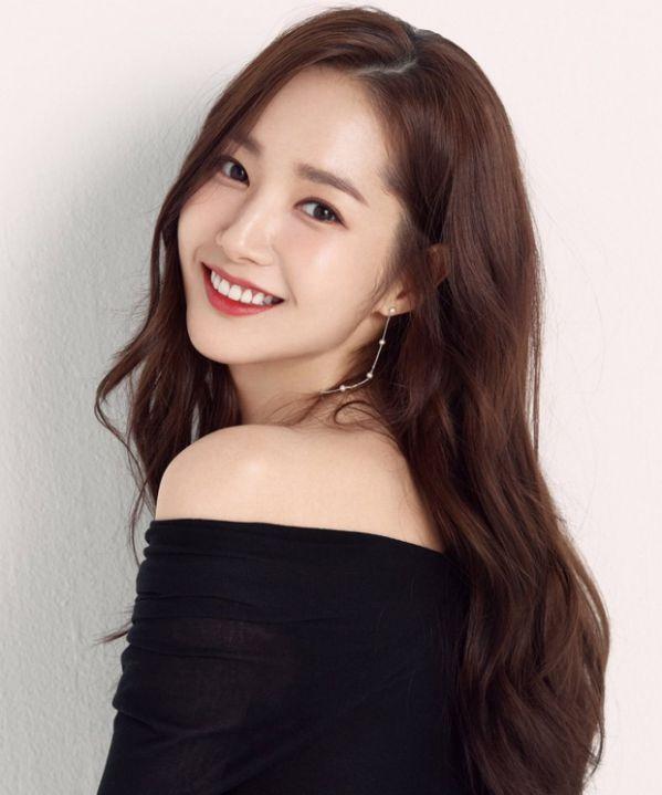 AAA 2019: Netizen Hàn quay ngoắt 180 độ, ghen tị khi thấy dàn diễn viên siêu xịn đổ bộ Việt Nam