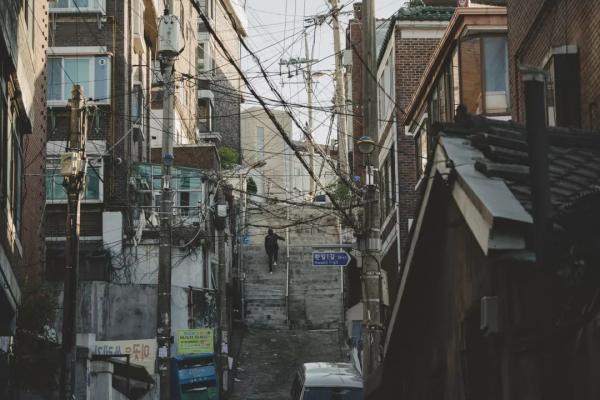 'Ký Sinh Trùng' phiên bản đời thực: Cuộc sống dưới tầng đáy xã hội Hàn Quốc