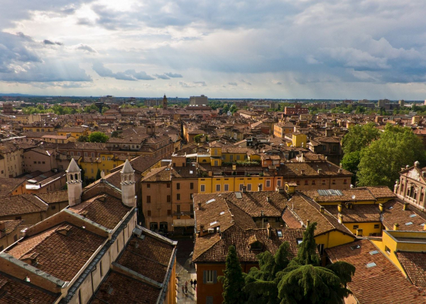 Nắm chặt tay nhau suốt 1500 năm, hài cốt 'đôi tình nhân Modena' nổi tiếng hóa ra lại là hai người đàn ông