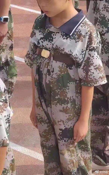 Loạt ảnh sinh viên Trung Quốc đi quân sự - ai nhìn thấy thanh xuân dữ dội của mình vào nhận ngay