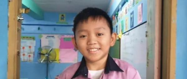 Thầy giáo có khuôn mặt trẻ thơ ở Philippines và sự thật ít ai tin nổi