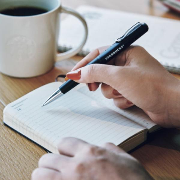 Starbucks Nhật Bản phát hành bút có thể sử dụng để mua cà phê