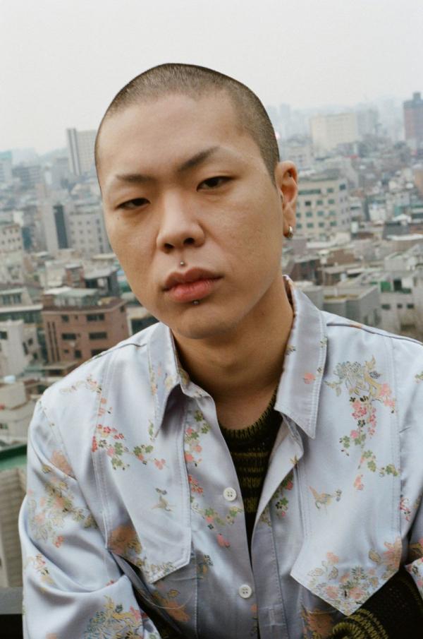 Từng từ chối Big 3 SM, YG và JYP, chàng trai này giờ ở vị trí mà ai cũng phải bất ngờ