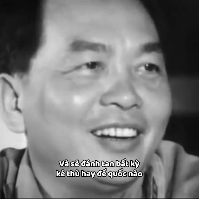 Đại tướng Võ Nguyên Giáp trả lời phỏng vấn bằng tiếng Pháp đầy tự tin và khéo léo