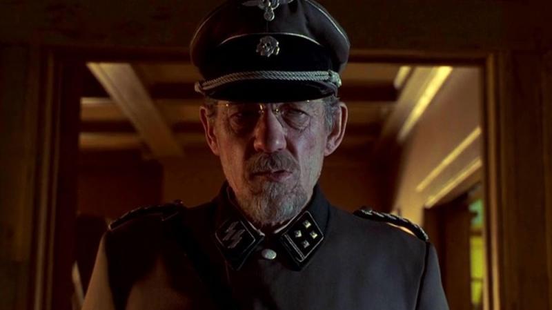 'Apt Pupil': Khi thầy dạy cái ác cho bạn là Thiếu tá Đức Quốc Xã thì 'đừng dại mà đùa với lửa'