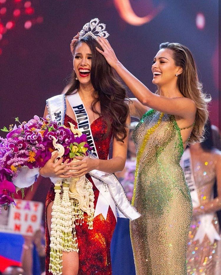 Hoa hậu Hoàn vũ: Đấu trường nhan sắc hay cuộc phỏng vấn xin việc dành cho những người đẹp giàu có?