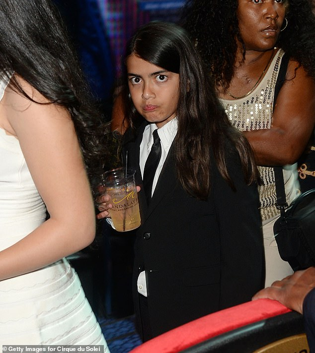 Con trai út Michael Jackson gây bất ngờ vì vẻ ngoài bình dị không giống người thừa kế triệu đô
