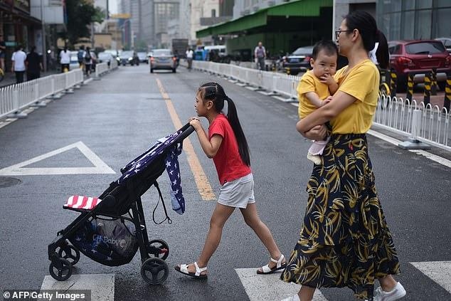Lần đầu tiên dân số giảm sau 70 năm, Trung Quốc đối mặt nguy cơ thiếu hụt nhân lực