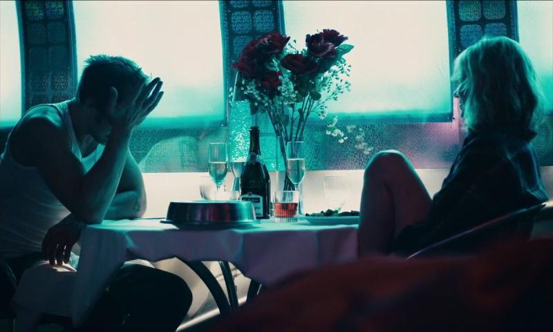 'Blue Valentine':  Ta yêu nhau vì những điều to lớn, sao lại đánh mất nhau vì những lầm lỗi cỏn con?