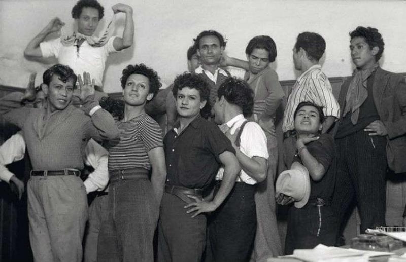 Những bức ảnh cho thấy người đồng tính ngày xưa đã từng 'bung lụa' như thế nào!